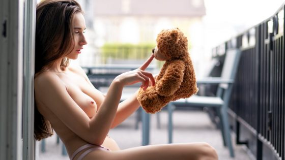 Gloria-Sol-sexy-topless-model-hugging-teddybear